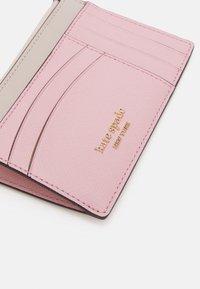kate spade new york - CARD CASE WRISTLET - Peněženka - tutu pink/crisp linen - 5