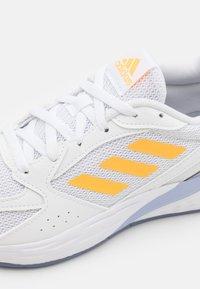 adidas Performance - RESPONSE RUN - Neutral running shoes - footwear white/solar gold/violet tone - 5