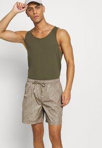 Glorious Gangsta - BANTU  - Shorts - sand - 3