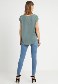 ONLY - ONLVIC SOLID  - Camiseta estampada - balsam green - 2
