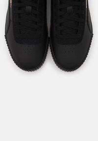Puma - CARINA MID  - Sneakers basse - black - 5
