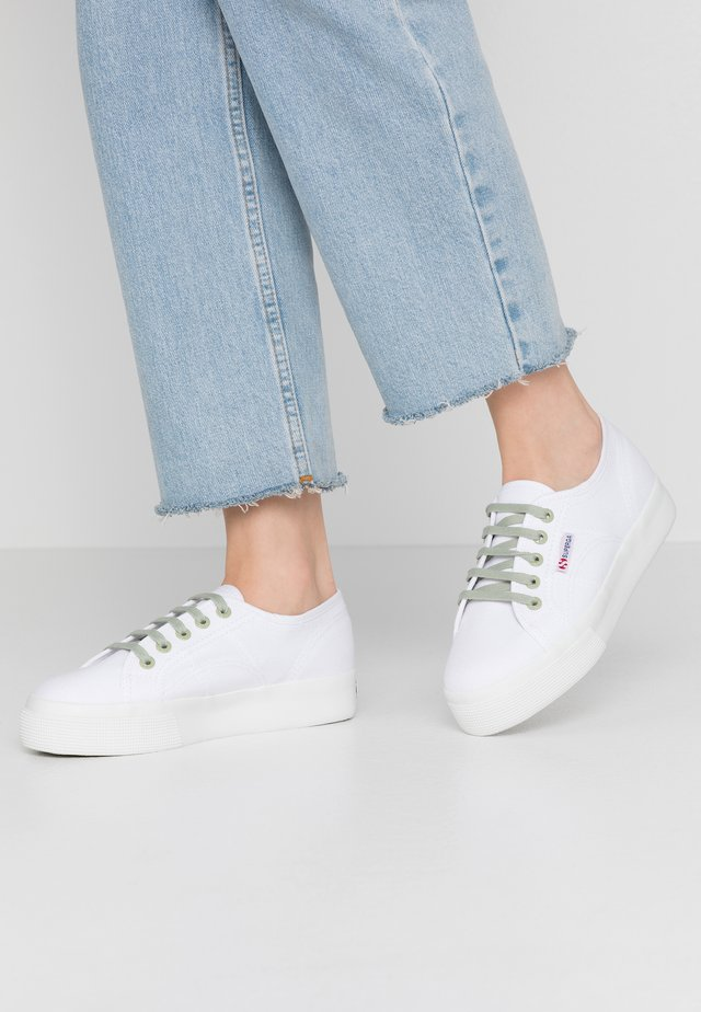 2730 - Trainers - white/green sage