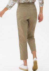 BRAX - STYLE MARY S - Slim fit jeans - khaki - 2