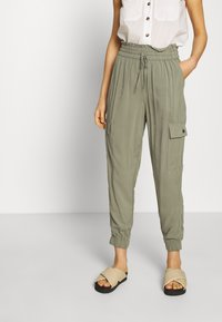 Abercrombie & Fitch - FASHION PANT  - Cargo trousers - dusty olive - 0