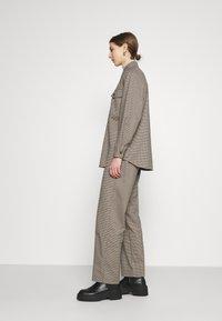 Envii - ENLAFAYETTE PANTS - Trousers - brown - 3