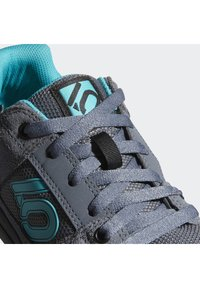 adidas Performance - FIVE TEN MOUNTAIN BIKE FREERIDER SHOES - Cycling shoes - black - 6
