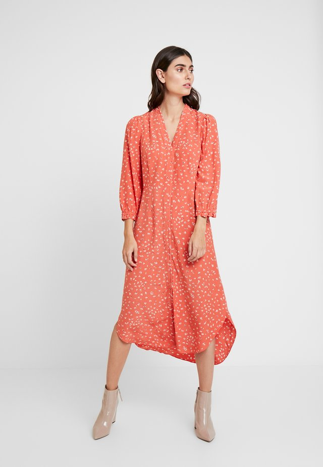 AIR MOSS - Vestido informal - red