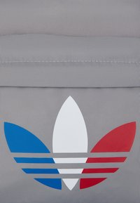 adidas Originals - TRICOLOR UNISEX - Rucksack - solid grey - 3