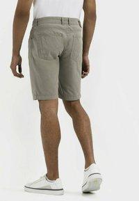 camel active - BERMUDA REGULAR FIT  - Shorts - khaki - 2