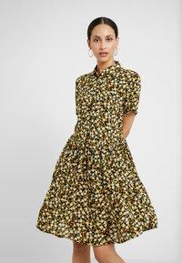 PIECES Tall - PCLALA SS DRESS - Shirt dress - black/small flowers - 0