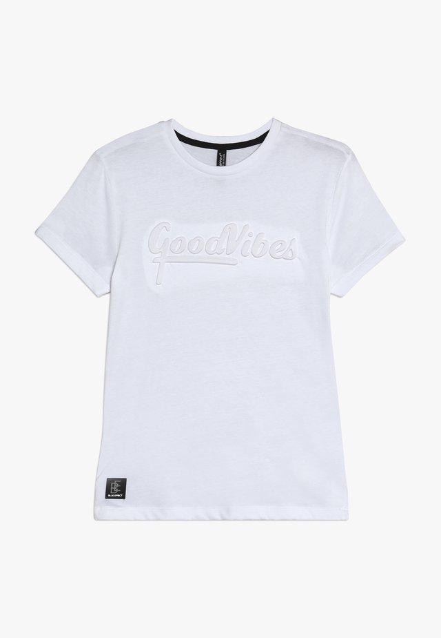 BOYS GOOD VIBES - T-Shirt print - schneeweiss