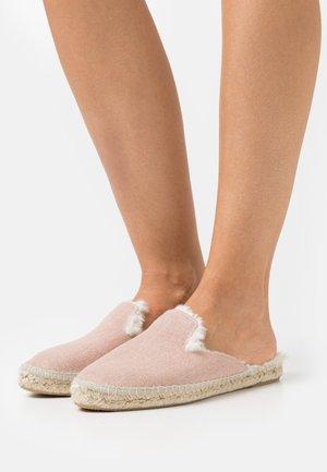 VEGAN MULES AUTUMN ESPADRILLES - Pantoffels - nude