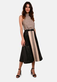 Oakwood - LUCILLE - Áčková sukně - black - 1