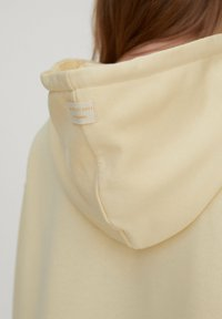 PULL&BEAR - Sweatshirt - mottled dark yellow - 4