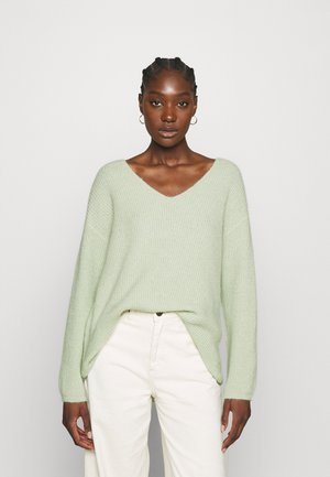OVERSIZED V-NECK - Strikkegenser - light green