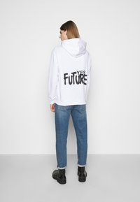 Études - YES FUTURE UNISEX - Felpa con cappuccio - white - 2