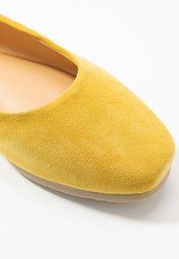 MAHONY - BARABA - Ballet pumps - lemon - 2