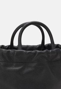 Furla - ESSENTIAL S BUCKET - Handbag - nero - 3
