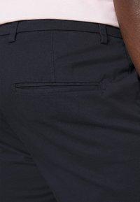 Selected Homme - SLHSLIM DEREK PANTS  - Chino - navy blazer - 3