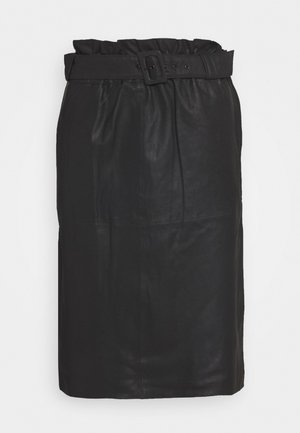 SKIRT WITH BELT - Lædernederdele - black