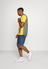 Cotton On - ROLLER SHORT - Denim shorts - coogee blue - 1