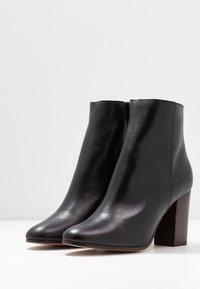 maje - Classic ankle boots - noir - 4