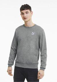 Puma - CLASSICS - Sweatshirt - medium gray heather - 0