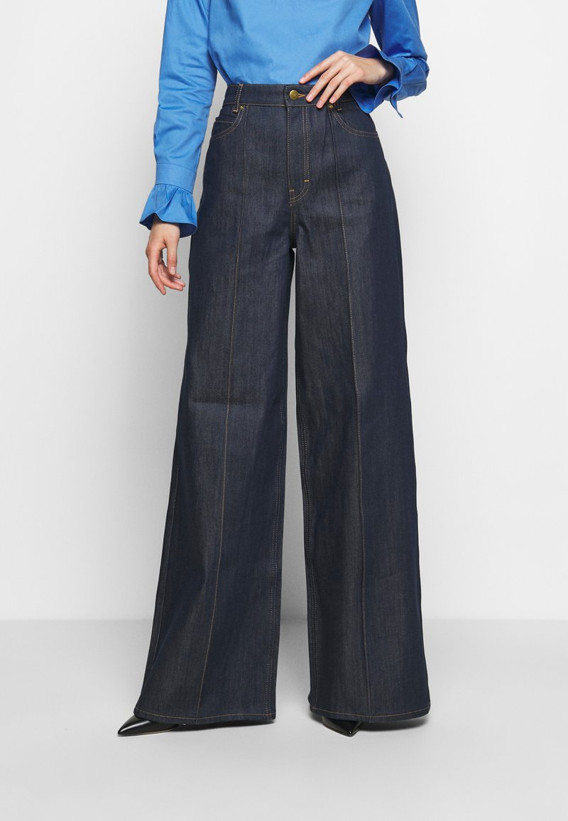 Victoria Victoria Beckham - EXAGERATED WIDE LEG - Jeansy Dzwony - blue denim