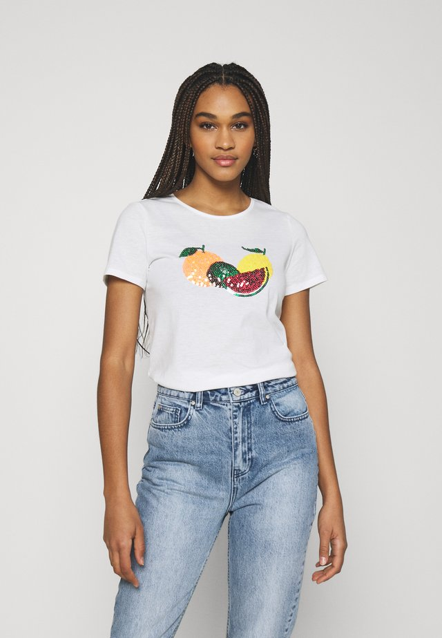 VILINNEA FRUIT - T-Shirt print - cloud dancer