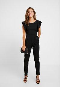 WAL G PETITE - RUFFLE - Jumpsuit - black - 1