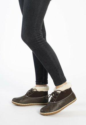TEGA - Winter boots - cassis