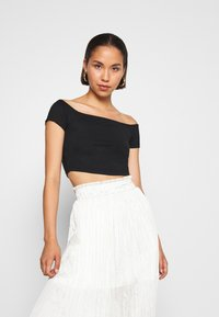 NA-KD - PAMELA REIF OFF SHOULDER  - Basic T-shirt - black - 0
