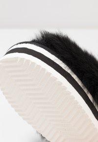 Shepherd - Slippers - black - 2