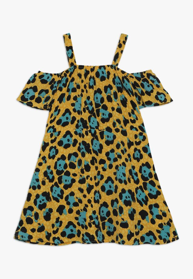 KONIDUN COLDSHOULDER DRESS - Denní šaty - mango mojito