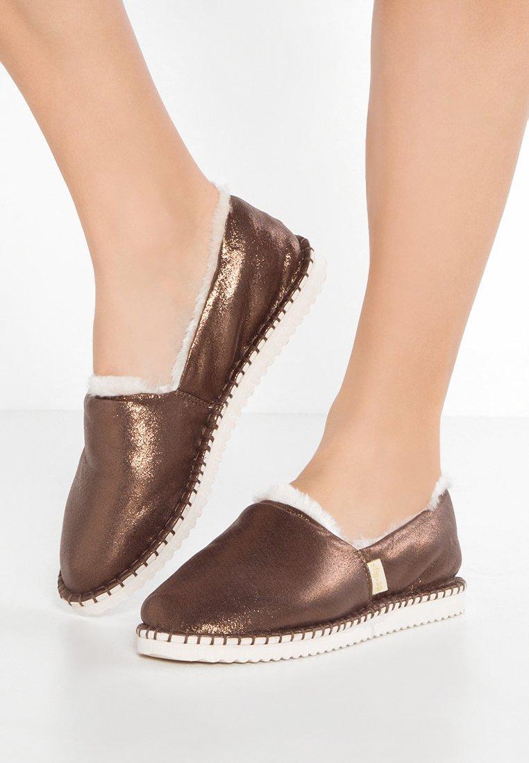 flip*flop - FLIPPADRILLA  - Slippers - brown sugar