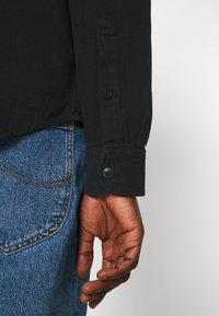 Lee - REGULAR WESTERN - Overhemd - black - 6
