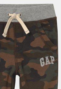 GAP - GARCH - Stoffhose - evergreen - 2