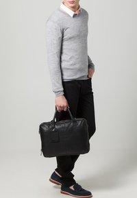 Cowboysbag - FAIRBANKS - Laptop bag - black - 1