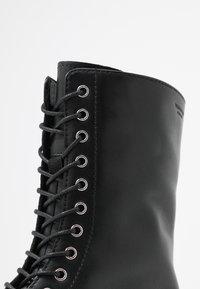 Vagabond - TARA - Platform ankle boots - black - 2