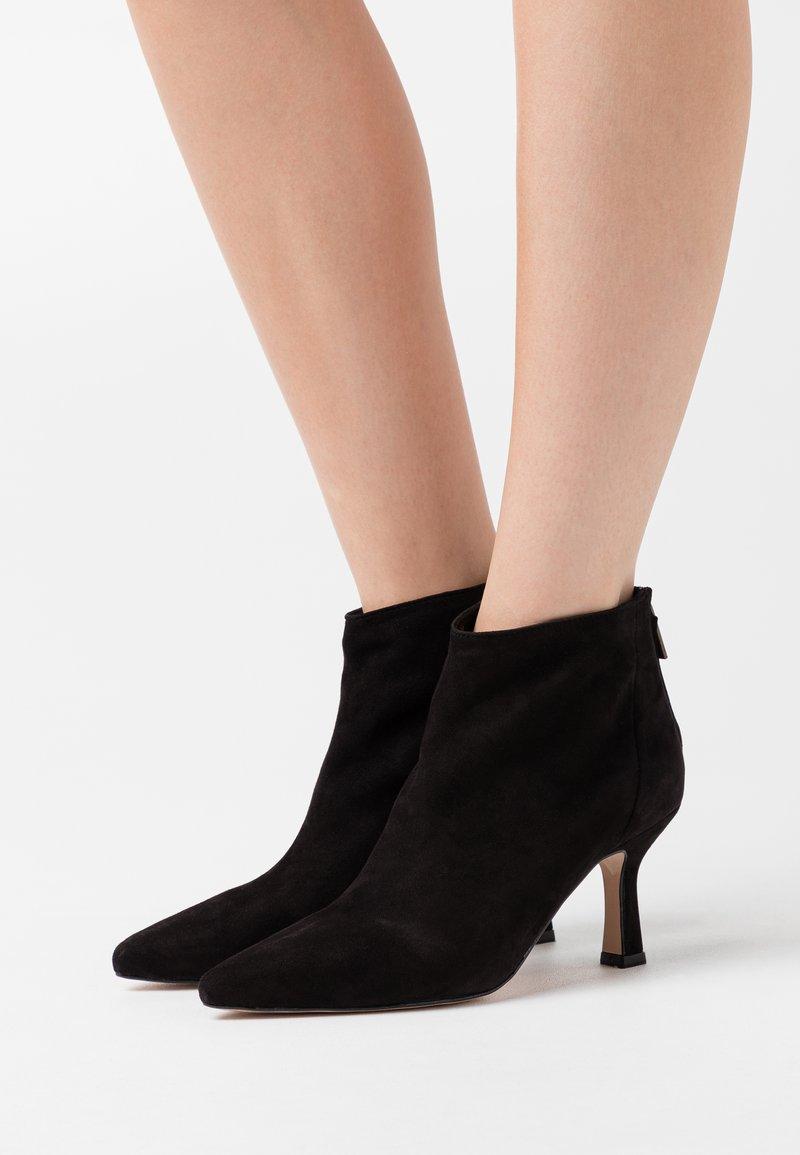 Bianca Di - TACCO  - Ankle boots - nero