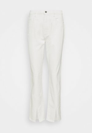 SPLIT FRONT WRATH - Straight leg jeans - white