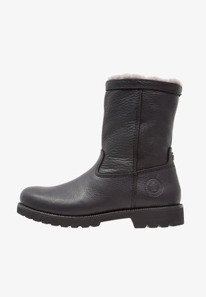 FEDRO IGLOO - Winter boots - black