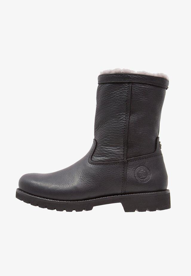 FEDRO IGLOO - Stivali da neve  - black