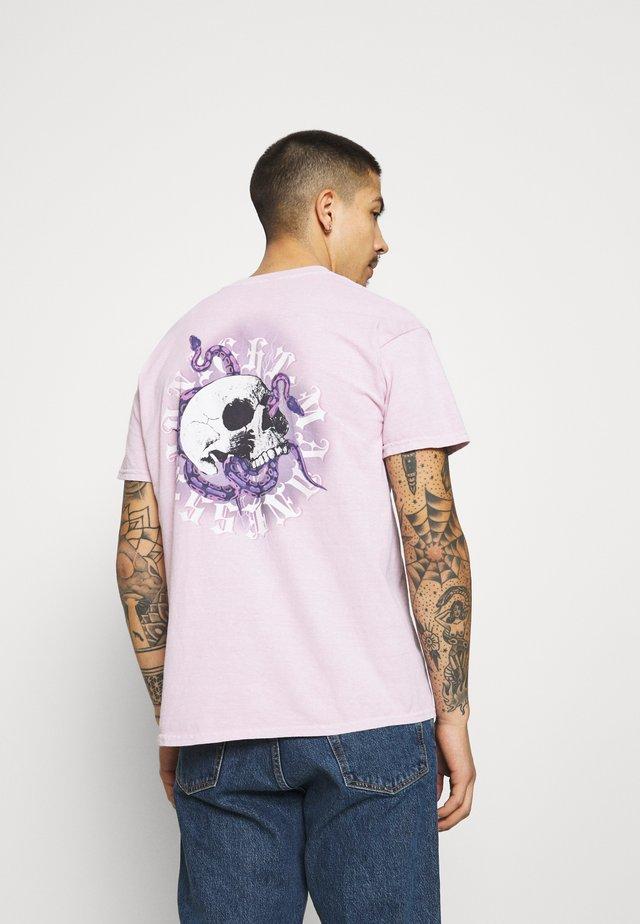 ON THE RUN SKULL REGULAR - T-shirt imprimé - pink
