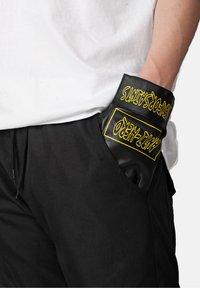 SEXFORSAINTS - Gloves - metallic black - 2