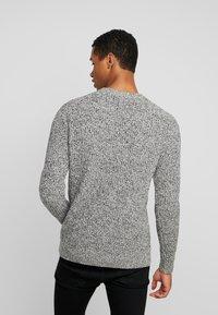 Calvin Klein - MOULINE TEXTURE SWEATER - Jumper - white - 2