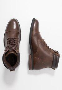 Pier One - Šněrovací kotníkové boty - brown - 1