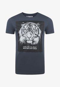 dunkelblau tiger (ijd)