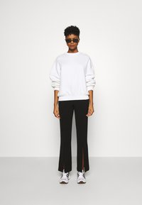 Weekday - PAMELA OVERSIZED - Sweatshirt - white - 1