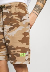 Caterpillar - BASIC  - Shorts - brown - 4